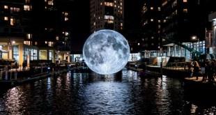 la luna e l'acqua