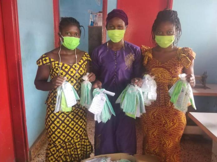 Production de masques à Fria