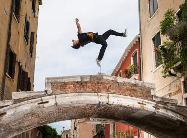 parkour - venecia---pasha---unicornia-dreams---red-bull---video-viral---parkour---aprender-parkour