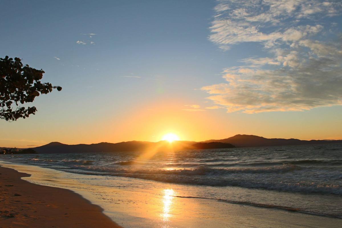 Playa_de_Canasvieiras_Florianopolis
