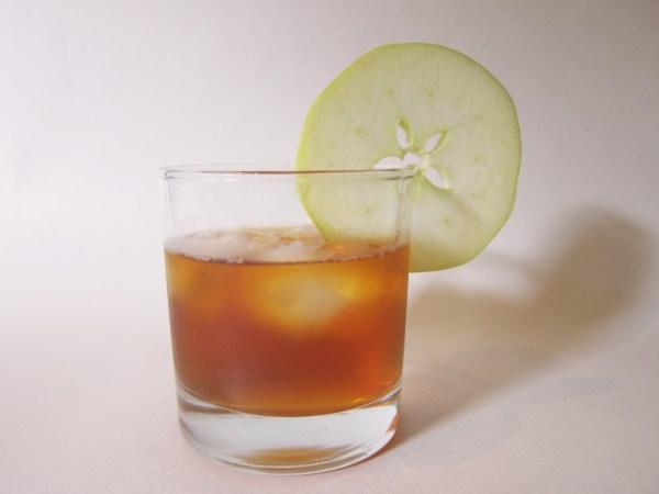cinnamonapplewhiskytea