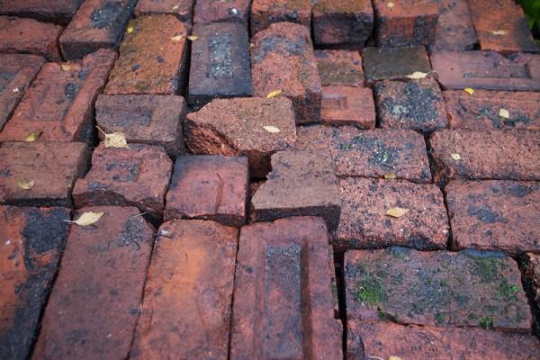 03 bricks