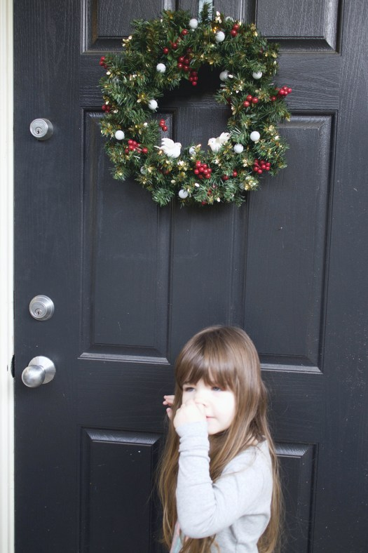 08-gwen-picking-her-nose-at-the-door