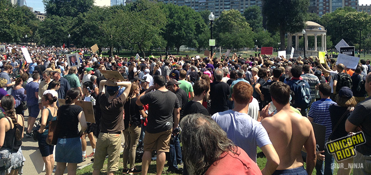 Boston: Tens of Thousands Turn Out Against Far-Right 'Free Speech' Rally