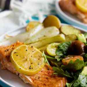 Baked Salmon Fillet with Lemon