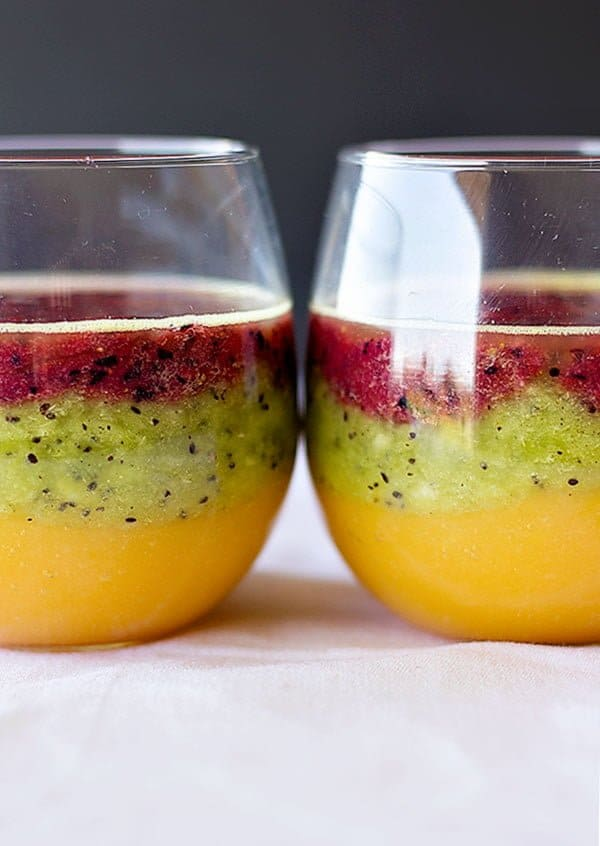 Make yourself this three layered smoothie to cool down in summer! This smoothie is a perfect way of having your family eat their daily portion of fruit!