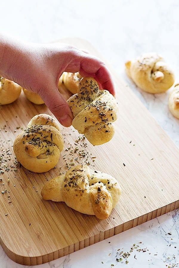 My maman and I made these garlic knots recipe when we were in Turkey