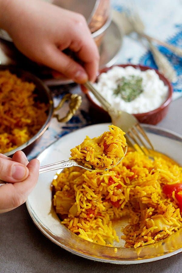 Tomato rice recipe is very simple to follow and requires very few basic ingredients.
