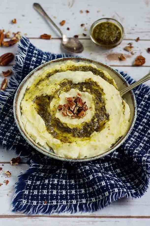 This garlic mashed potato recipe is easy and very simple.