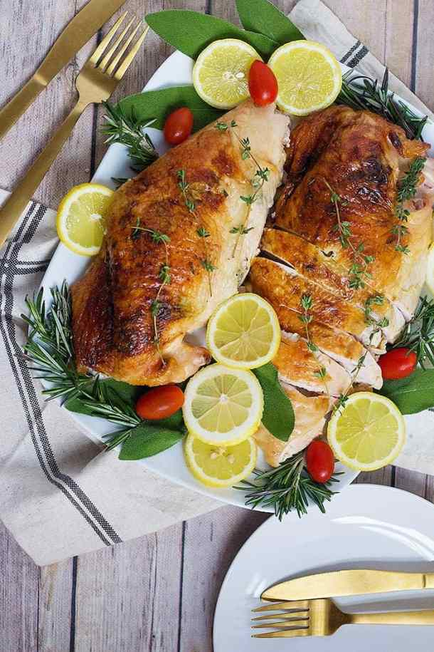 Herb Roasted Turkey Breast Recipe | Thanksgiving Turkey | From UnicornsintheKitchen.com #ThanksgivingRecipes