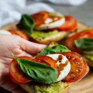 Avocado Caprese Sandwich Recipe