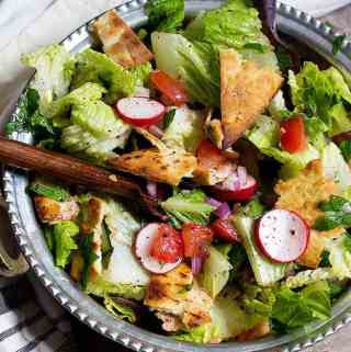 Fattoush salad Recipe (Traditional Lebanese Salad)