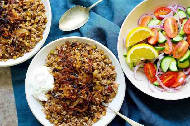 Mujadara is a simple Lebanese lentil and rice dish with crispy onions that's packed with flavor. This lentils and rice recipe calls for a few ingredients and is very easy to make.