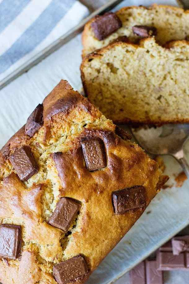 Peanut butter banana bread is a simple banana bread recipe that everyone loves. This moist banana bread with peanut butter is super simple and delicious.