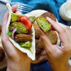 Homemade Falafel Recipe (Step-By-Step)