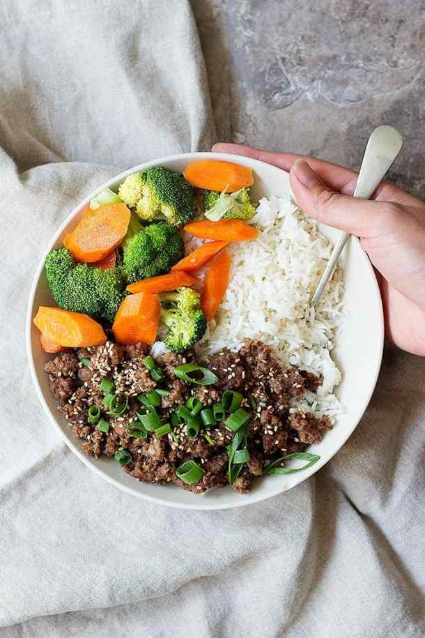 This easy Korean beef recipe is tasty and very quick. Serve with white rice, carrots and broccoli.