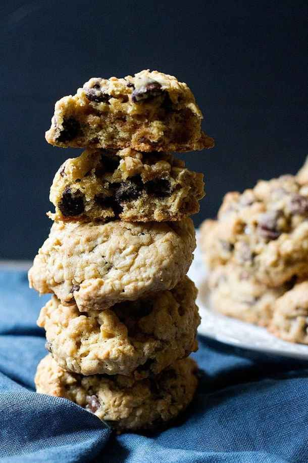 These thick and chewy oatmeal chocolate chip cookies are super tasty.