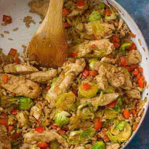 Skillet Chicken and Rice with Veggies