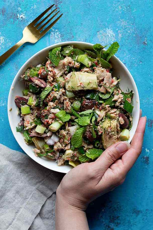 Ditch the mayonnaise and try this Mediterranean tuna salad. This no mayo tuna salad is packed with delicious ingredients like artichokes and herbs.