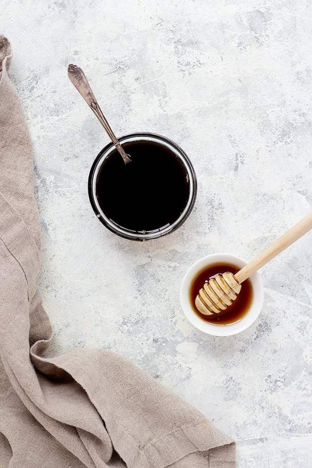 You only need two ingredients for this recipe, balsamic vinegar and honey. You can leave out the honey.