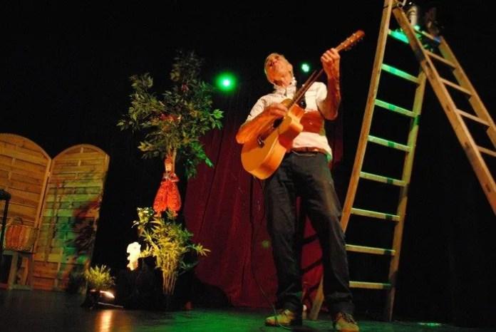 Drôle de chute par le théâtre du Pré Perché Rennes
