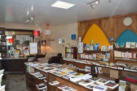 la-dame-blanche_cafe-librairie_morbihan_port-louis (5)