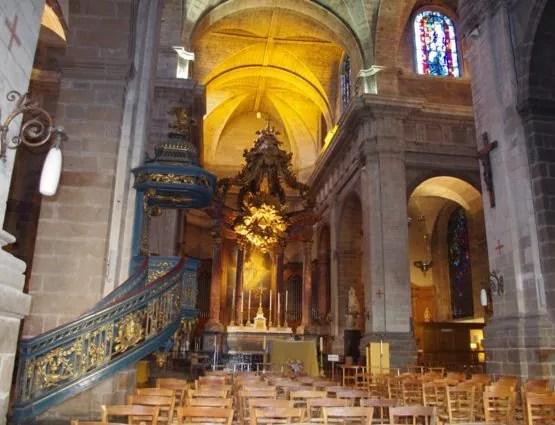 Basilique Saint-Sauveur - la nef