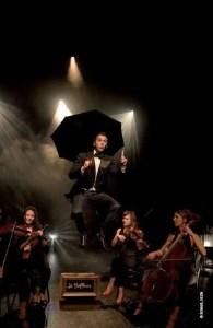Le-Siffleur-et-son-quatuor-a-cordes-Theatre-Jean-Marais