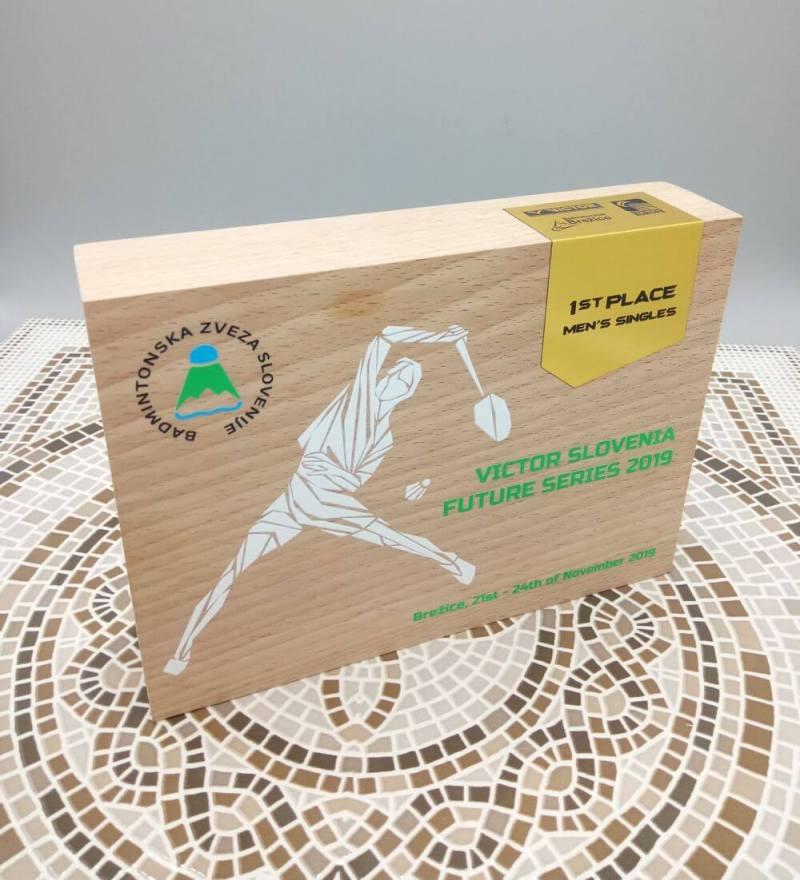 Pokal izdelan za Badmintonsko zvezo Slovenije