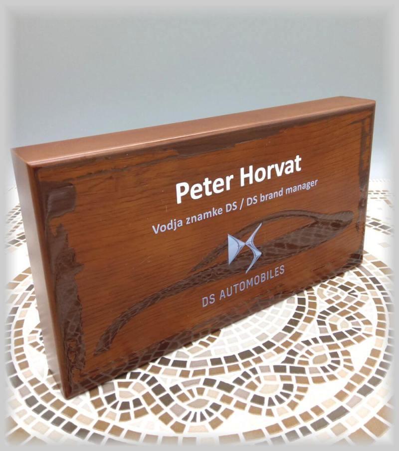 lesena poslovna Plaketa za Peugeot