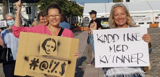 Feministprotest på Torvet