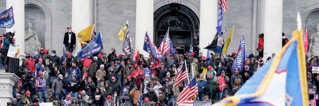 Trump-supportere stormer Kongressen i USA