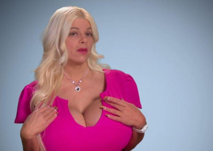 Woman With 32S Breasts Says She Now Wants A Bum To Match Big5