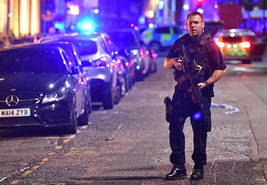 Police Confirm Third Incident In Vauxhall Area Of London ldnbr2