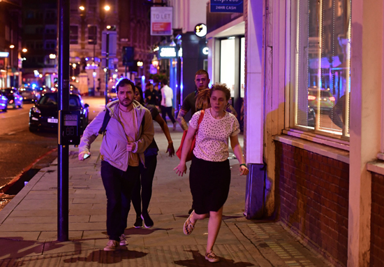 Londoners Rally Together To Offer Shelter To Those Stranded After Attacks london bridge web 2