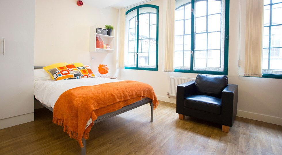 accommodation gay rooms to let nottingham