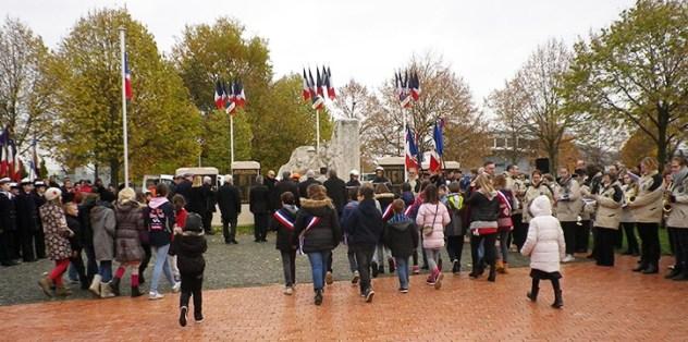 Commémoration du 11 Novembre à Dombasle-sur-Meurthe avec Catherine Paillard