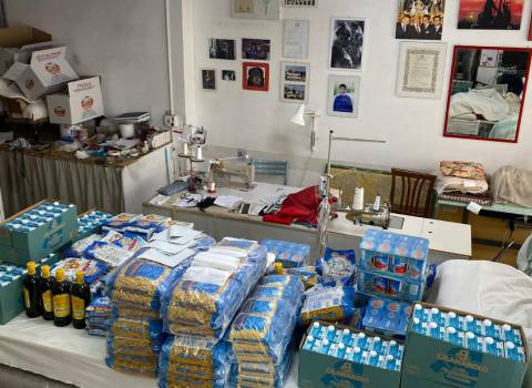 Il Ceto dei Sarti e Tappezzieri dona beni di prima necessità alle famiglie bisognose
