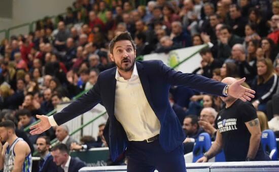 La Dinamo non brilla ma espugna Pistoia 78-70 - L