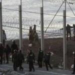 Los Guardias Civiles, a Rajoy, ¿ que hacemos en Ceuta si no quieres fronteras ?