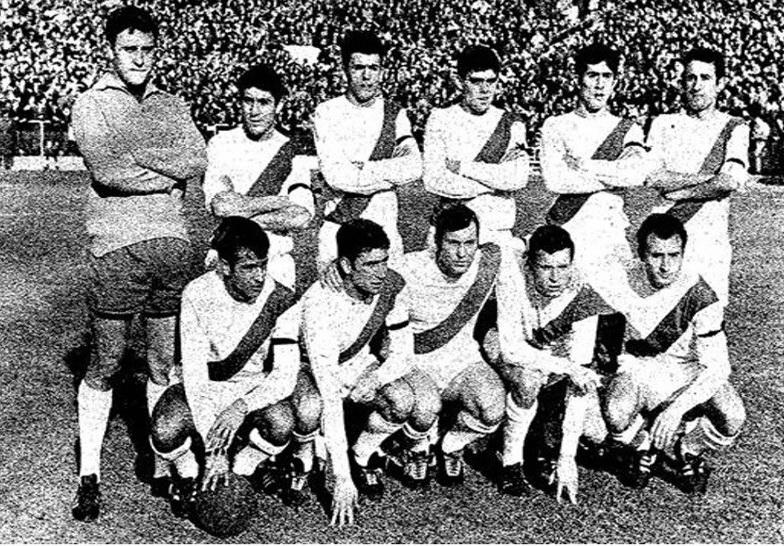 Rayo Vallecano 1967-68 con Máximo, Samper, Chufi, Goyo Benito... Fuente: Union Rayo