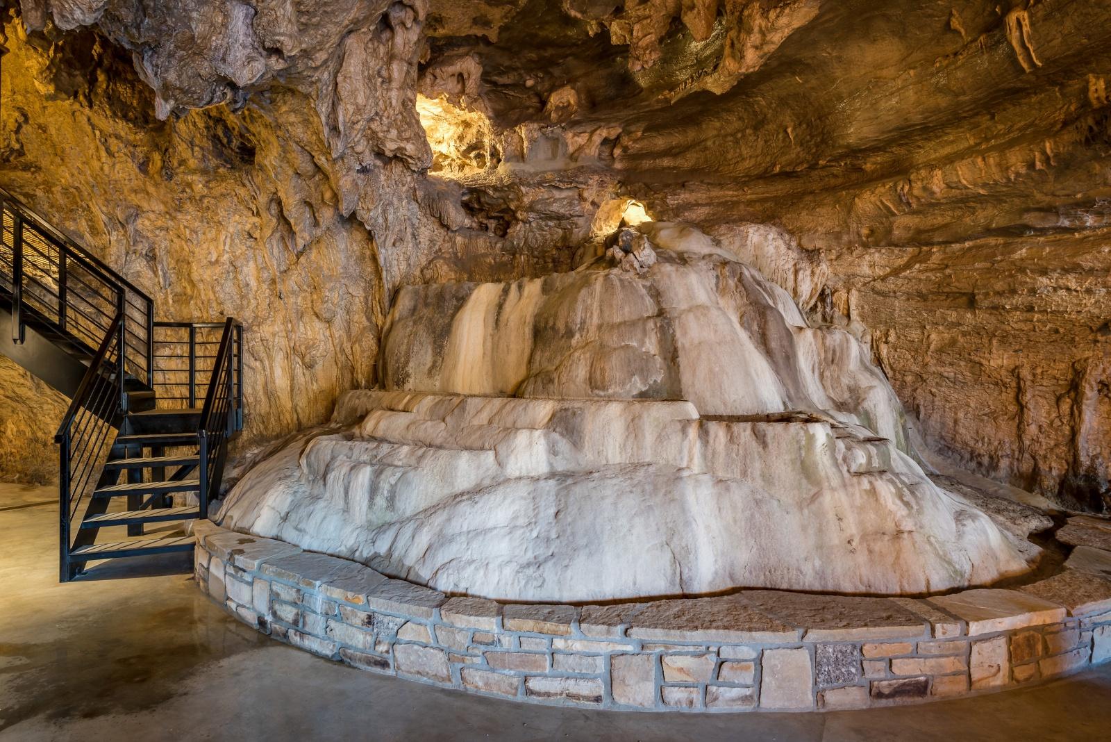 نتيجة بحث الصور عن Beckham Creek Cave Lodge