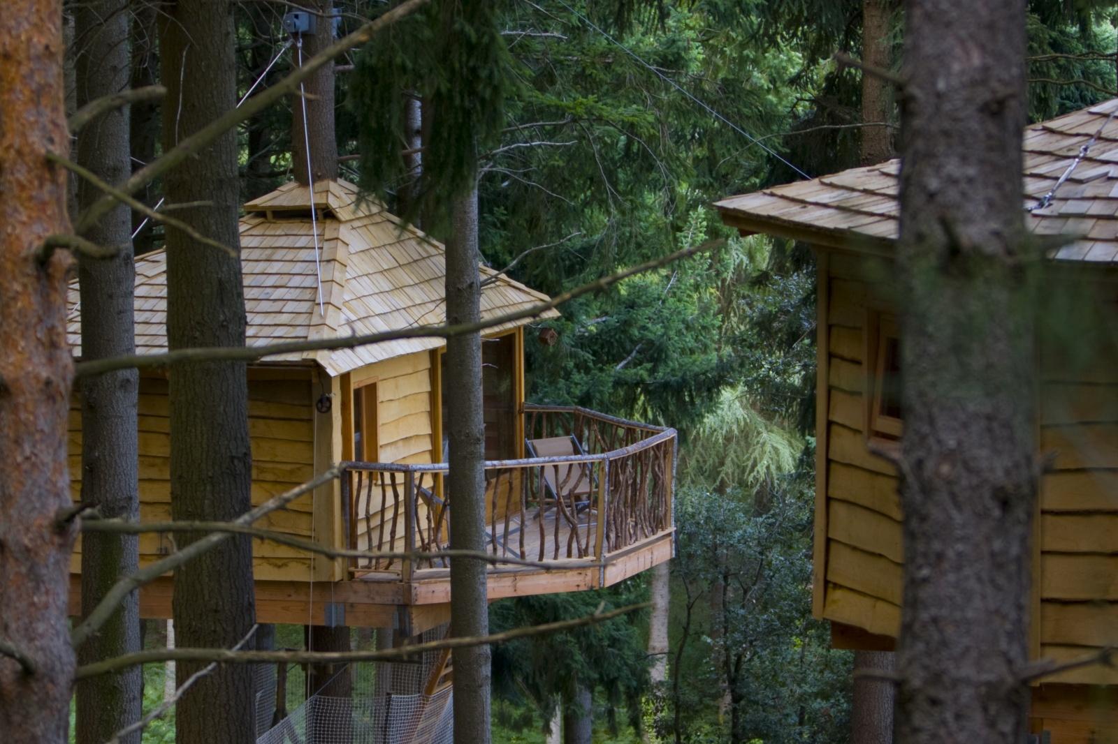Cabanes Als Arbres Catalan Tree House Huts