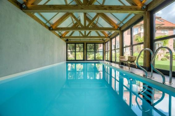 Zwembadhuis, Bussum
