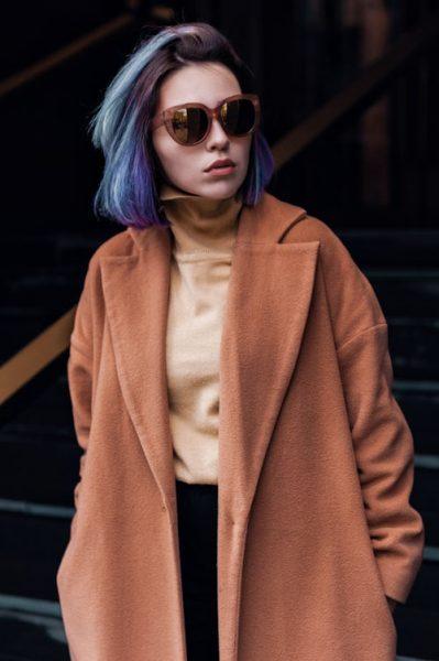 """Simplitatea este cheia eleganței"".Fii unic, fii special! sursa https://unsplash.com/search/photos/fashion"