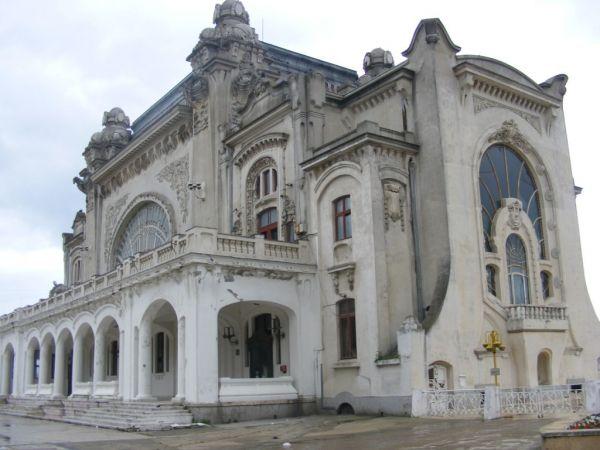Am luat bilete la mare, vreți să mergeți și voi?.jpg sursa www.litoralulromanesc.ro/obiective_turistice_litoral.