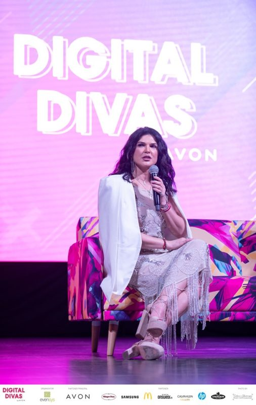 Digital Divas byAvon - frumusețe și creativitate
