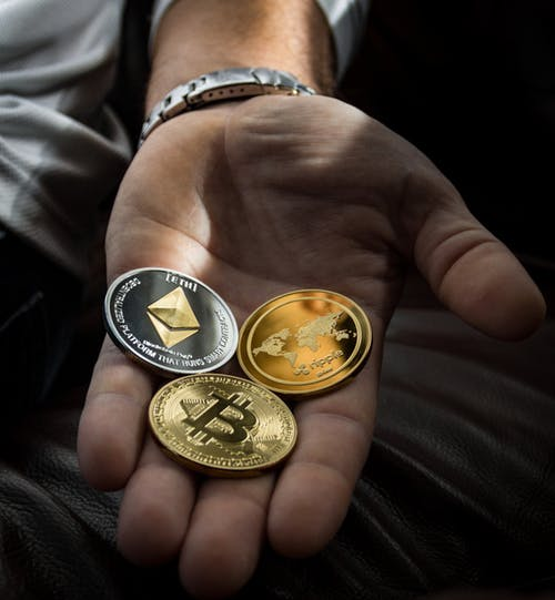 Ce criptomonede vor creste in acest an? De unde pot cumpara criptomonede si Bitcoin?