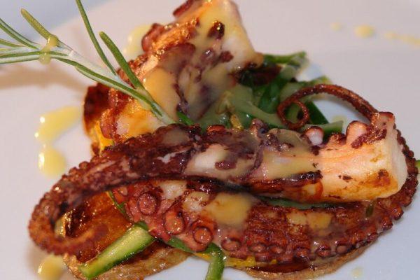 seafood 2408849 960 720 Noi rețete autentice: caracatiță și papas arrugadas