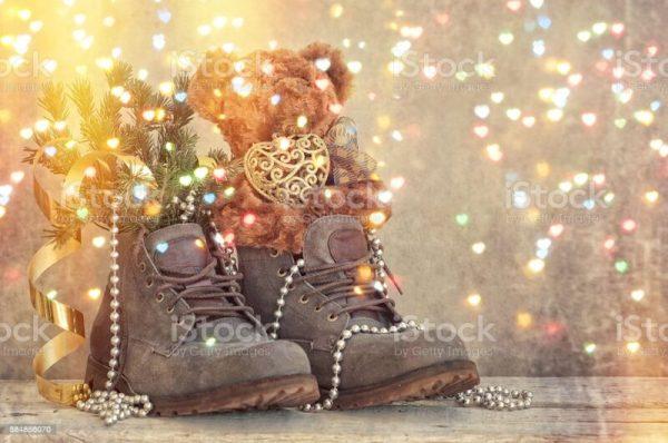 Cadouri şi poveşti de Moş Nicolae